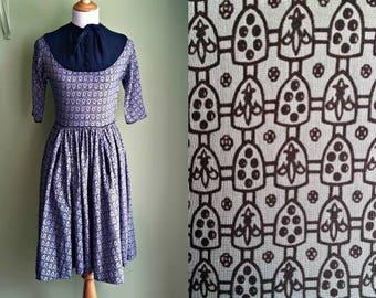 1940s/50s Navy Blue Fleur De Lis Dress - Cotton Novelty Print - XS