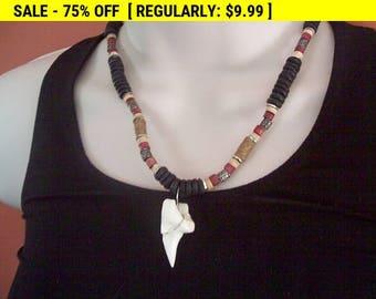 Vintage wood bead pendant choker necklace