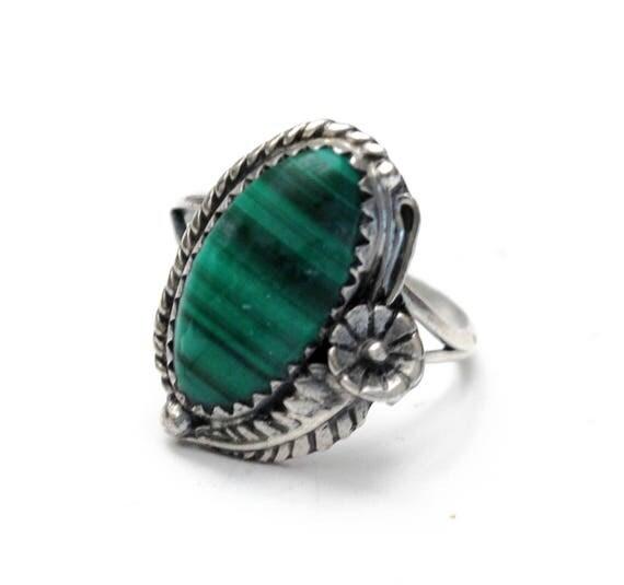 Sterling Malachite Ring - flower Leaf- Green Gemstone - Size 7 ring - southwestern - Silver Native Americanring