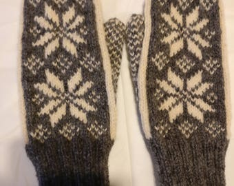 Grey and Natural Snowflake Mittens, Double Knit Mittens Women's Small