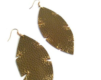 gold glitter deco taupe leather earrings