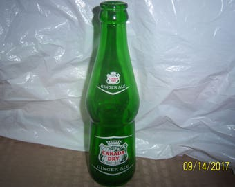 """1963 Canada Dry Ginger Ale NY, NY"""" 8 1/8"""" 7 oz ACL Painted Label Soda Bottle"""