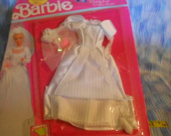 1990 Mattel Barbie Wedding Dress Sealed
