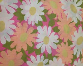 Fab flower fat quarter vintage fabric  // retro cotton floral 1960 1970 bed sheet UK seller