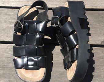 Vintage 1990s goth raver chunky platformblack leather bucke sandals size 7.5 8 8.5