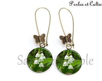 Lilies - 1 May Flower Earrings - green white leaf Butterfly cabochon