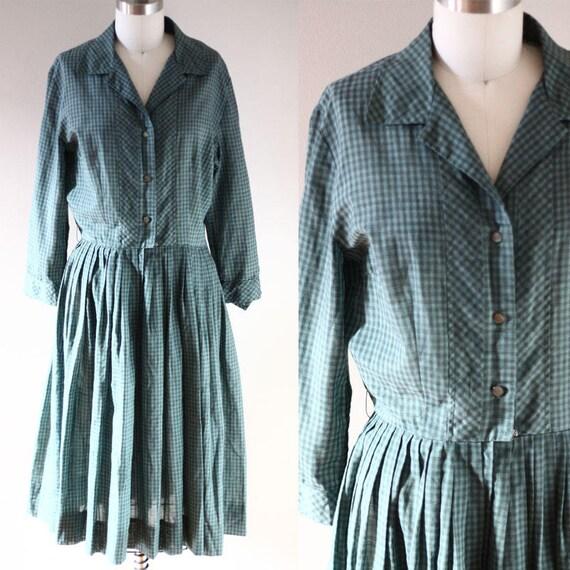 1950s cotton day dress // vintage shirt dress // vintage dress