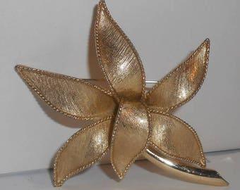Vintage EMMONS Gold Tone Textured Lotus Flower Brooch