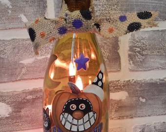 Hand Painted Light Up Halloween Wine Bottle.. Wine Bottle Lamp..Halloween Decor..Halloween Art..Halloween Wine Bottle..Hand Painted Bottle