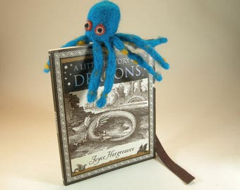 Bookmark/octopus bookmark/blue octopus bookmark/bookworm bookmark gift/needle felted octopus/bibliophile bookmark/bookworm gift for her