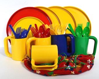 Heller Picnic Group, Colorful Fabric Cases, Massimo Vignelli, Yellow RedOrange Green Blue Melamine, 5 Plates, 5 Mugs Hellerware  + Utensils
