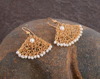 Small Fan Pearls Earrings,Pearls Dangle Earrings, Gold Dangle Earrings, Pearls Jewelry,14K Gold Filled,Bridesmaids Earrings,Handmade Earring