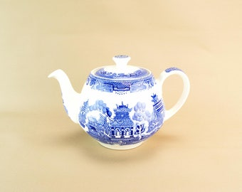 Alfred Meakin Blue & White Teapot Vintage Ceramic English Late 20th C