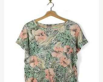 ON SALE Vintage Botanical printed short sleeve T-shirt from 1980's/Hawaiian