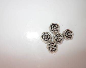 5 round shaped beads in metal silvered (2041)