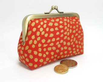 Kiss lock change purse, shiny gold and orange fabric / Coin purse with clasp