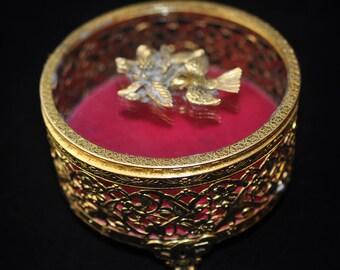 Unusual Bird Jewelry Box, Beautiful Vintage trinket box, metal jewelry box, Original sticker on top, beveled glass, #2140