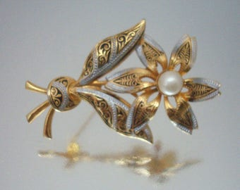 Damascene Flower Pin Faux Pearl Vintage Beautiful *