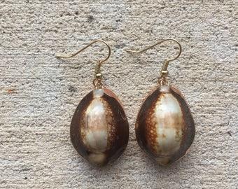 Gold Leopard Cowrie Shell Earrings, Leopard Shell Earrings, Leopard Earrings, Beachy Earrings, Bohemian Earrings, Leopard Dangle Earrings