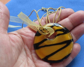 Retro Gold Black Striped Round Glass Pendant Rope Ribbon Necklace