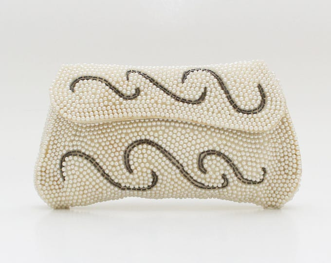 Vintage 1930s Cream Pearl Beaded Clutch
