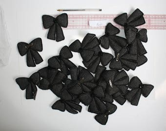 Batch of fantaisy brooch items black ribbon bow and sequins clip hook padded grey tweed fabric 180 grams set