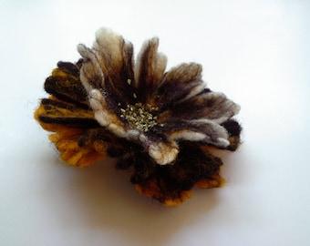 Felt Orange White Brown Brooch , Wool felt jewelry, Flower Brooch, Felt Flower Pin, Orange Pin, Wool Brooch, Handmade wool art jewelry