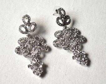 Clear crytal drop earrings
