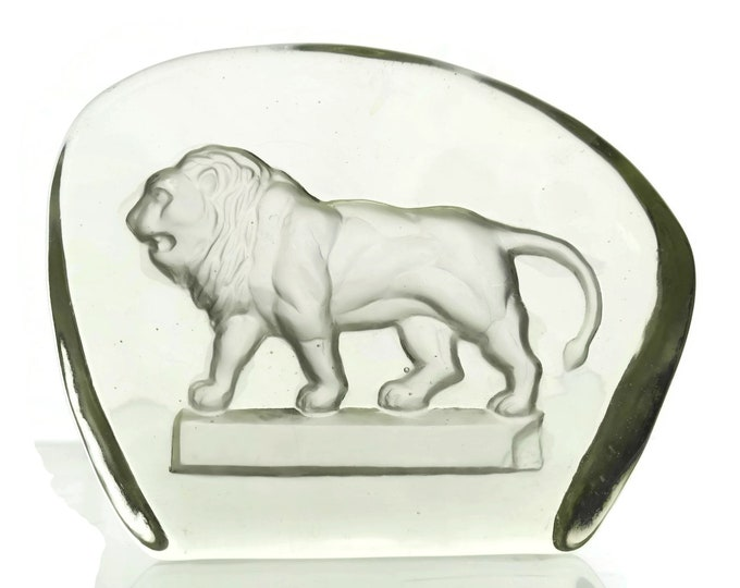 Glass Lion Figurine Paperweight. Vintage Intaglio Engraving. Wildlife Art Glass. Gift for Leo. Office Decor.