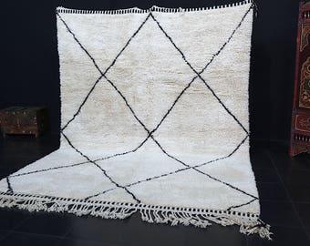 Fabulous Soft moroccan rug 7.7ft x 10.6ft Oriental rustic rug Moroccan rug Traditional Rug Vintage carpet Moroccan Rug Kilim Kelim Berber