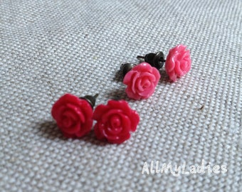 Set of 2 small earrings resin dark pink and light pink flowers