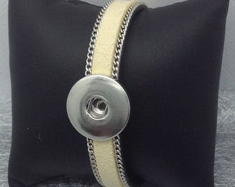 Snap chunk ivory leatherette bracelet