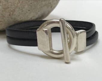 Graphite Grey Leather Bracelet with Silver Circle Toggle Clasp, Wrap Bracelet, Leather Bangle,Unisex Leather Bracelet, Gray and Silver Clasp