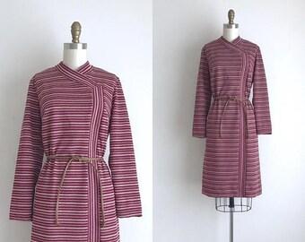 SALE 50% OFF 1960s Dress / Vintage 1960s Shift Dress / Striped Polyester Shift Dress