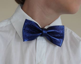 Boys Blue Checkered Bow Tie, Boys Bow Tie Kids Bow Tie, Boys Neckties, Toddlers Bow Tie, Photo Prop, Ring Bearer Bow Tie