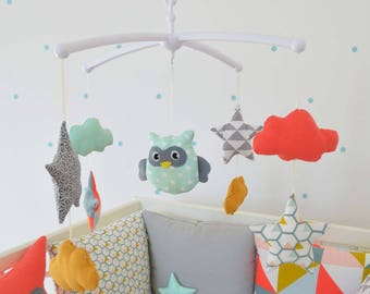 Mobile musical baby 'GraFichouette stars' - owl, clouds and stars graphic grey yellow coral