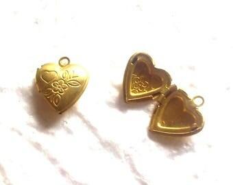 Gold charm pendant/door Photo heart 10x11x4mm