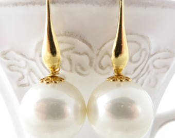 Huge white pearl earrings, bridal earrings, gold plated 925 sterling silver earrings, bridesmaid earrings, classic jewelry, wedding jewelry