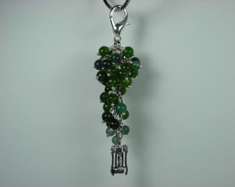 Green Grape Cluster-Wine Theme  Purse or Zipper Pull Beaded Charm