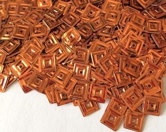 Square sequin metallic orange 6 mm in bulk