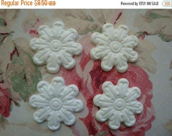 Sale 10% Rosette Medallion Applique 4 pc. Furniture Decor Shabby Cottage Chic Vintage