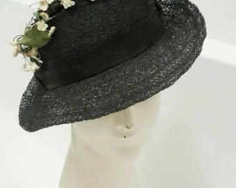 Stunning DEADSTOCK early 1930s black straw hat with ribbon detail and flower sprig across it has American NRA label and original tag
