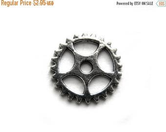 HALF PRICE 6 Silver Gear Charms - 15mm - Steampunk Supplies Cog Charms