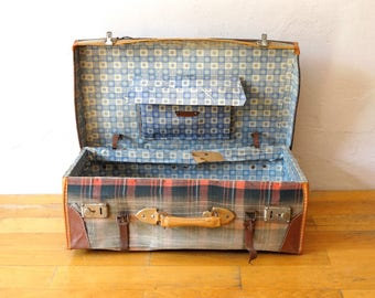 Antique Suitcase, Train Case, Valise, Suitcase Table, Old Luggage, Travel Trunk, Luggage Bag, Cardboard Suitcase, Leather Suitcase, Trunk