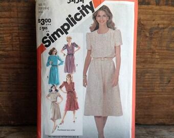 1981 Vintage Simplicity Pattern. Pattern #5434. Misses Size 10, 12 & 14. Vintage Misses Dresses. Vintage Dresses, Vintage Sewing Pattern.