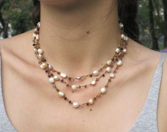 Semi-precious stones and freshwater pearls necklace