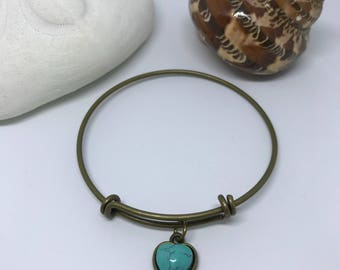 Heart Gemstone/Antiqued Gold Bangles