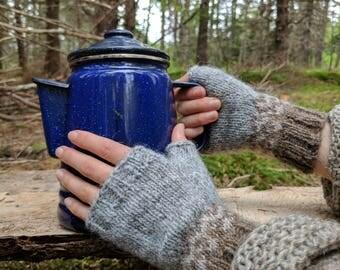 Icelandic Fingerless Mittens / Gloves Hand Knit in Grey, murky and light beige / Lett Lopi
