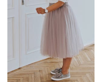 Plus size glam tulle skirt, plus size outfit, plus size birthday outfit tulle, grey tulle skirt for plus size, plus size outfit