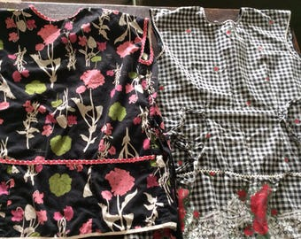 Pair of Vintage Aprons with Pockets/Retro Black and Red/Black and Pink apron